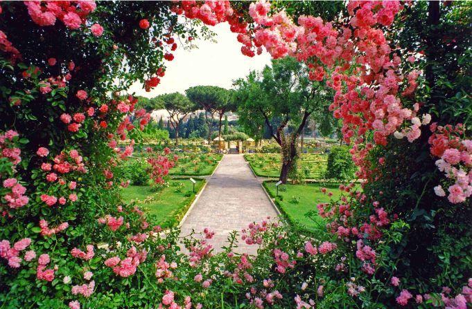 Rome S Rose Garden 2018 Most Beautiful Gardens Beautiful Gardens Rose Garden