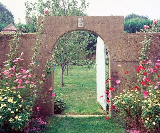 169 best Obsessed-Grey Gardens images on Pinterest | Grey gardens ...