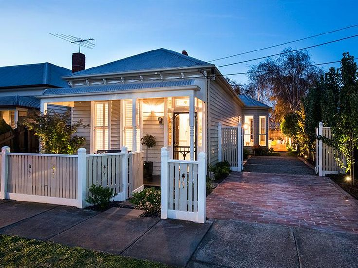Melbourne Victorian cottage front