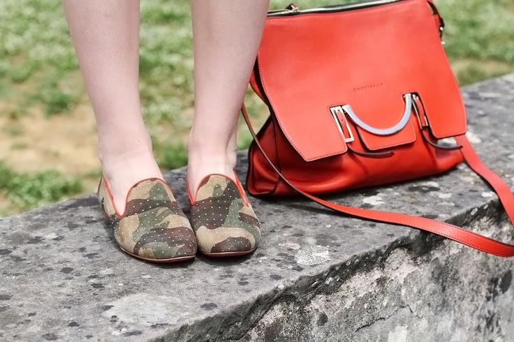 #fashion #shoes slippers | uno8uno | 181 | slippers militari | mocassini | loafers | scarpe basse | scarpe flat | fashion | moda | borsa coccinelle | borsa coccinelle arancione