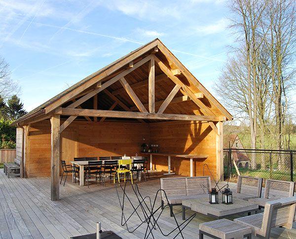 Une terrasse en bois sous un pool house une r alisation for Film sous terrasse bois