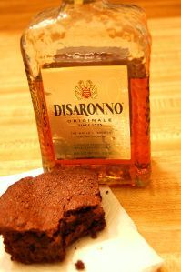 I like Disaronno. I admit it. I may mostly drink microbrews or sip whiskey and mineral water, but sometimes I want to sip amaretto and eat berries for dessert. Maybe it's the sexy people on t…