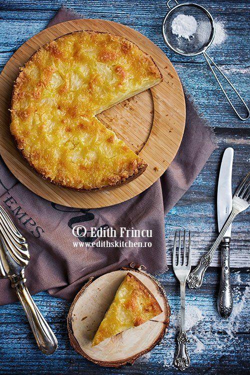 Quesadilla cu sos de rosii imbogatit cu ceapa calita si ardei, aromat cu usturoi si foaie de dafin, cu multa mozzarella.