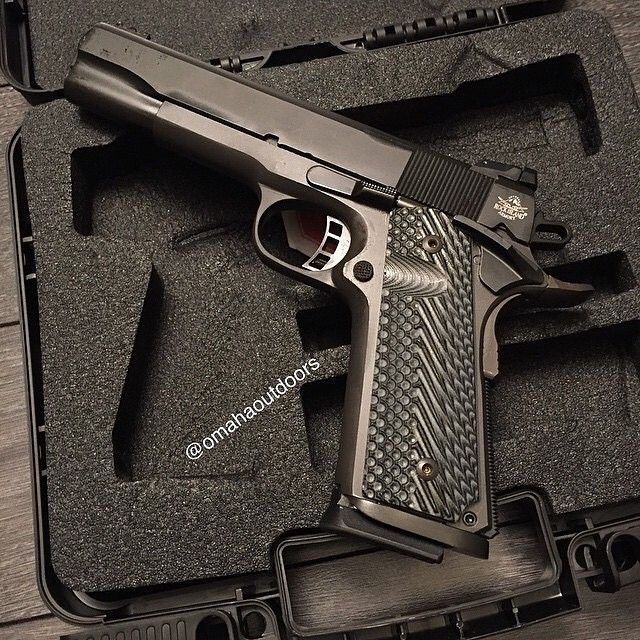 Brand new Rock Island Armory 1911 Tactical II 9mm pistol. Comes with one 9 round mag and G10 grips. $449 w free shipping. Follow @omahaoutdoors if you haven't done so already. Ready to ship to your FFL. Contact Omaha Outdoors for your 1911 needs. - info@omahaoutdoors.com ☎️ 1 (713) 703-4648 – For high-resolution photos, Like our Facebook page! www.facebook.com/OmahaOutdoors — #armscor #rockisland1911 #ria1911 #1911 #gun #gunporn #gunspictures #comeandtakeit #dtom #2a #omahaoutdoors