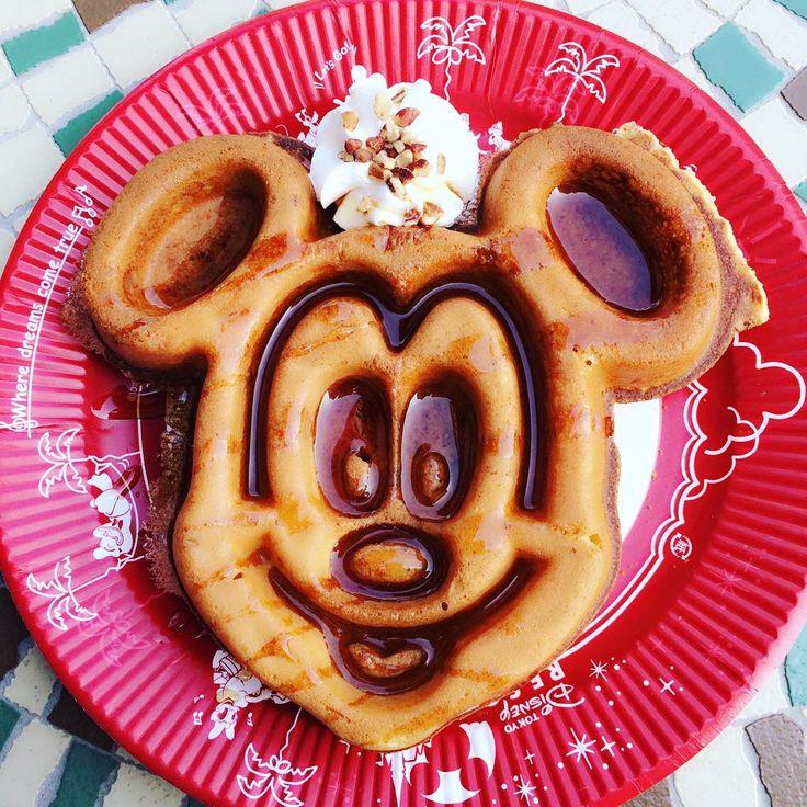 Best waffle ever 😍❤ #かわいい #happy #smile #disney #disneyland #yummy #おいしい #fun #food