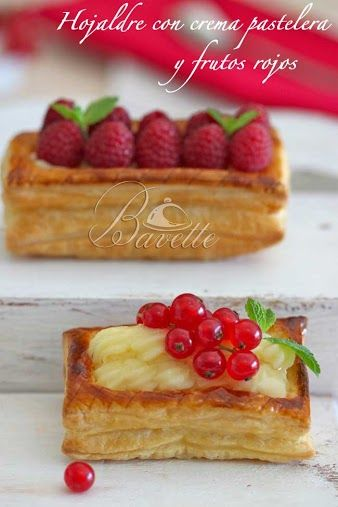Hojaldre relleno de crema pastelera y frutos rojos.
