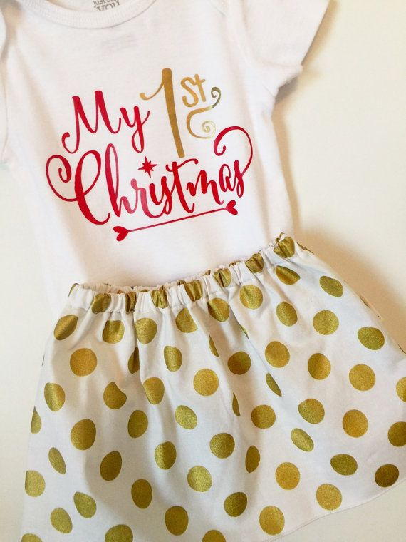 Babys 1st Christmas Outfit! Includes a skirt with or without ruffle, made of Metallic Gold Dot fabric, and a onesie with a My 1st Christmas vinyl