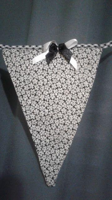 .: Tecido + viés + maquina de costura + laços e fitas...