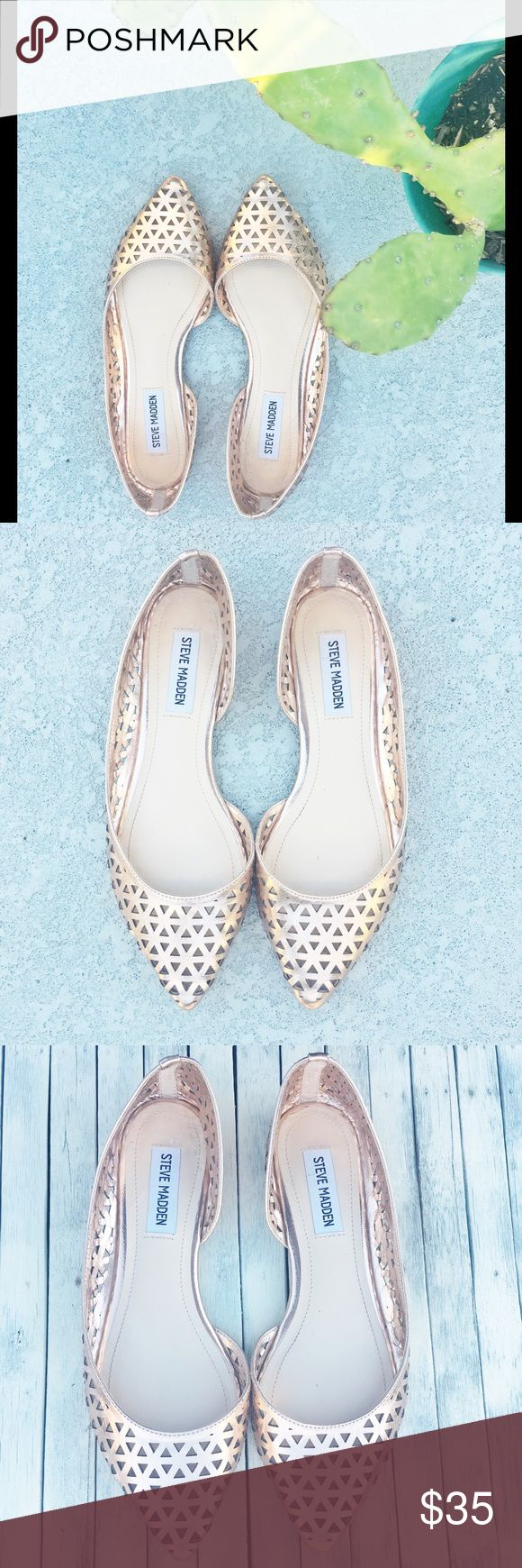 Steve Madden gold flats Like new Steve Madden gold laser cut out flats. Very clean like new in perfect condition. True to size Steve Madden Shoes Flats & Loafers