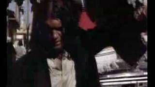 Lila Lilak - YouTube / Antonio Banderas - Canción del Mariachi
