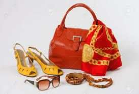 Resultado de imagen para red in accessories for women