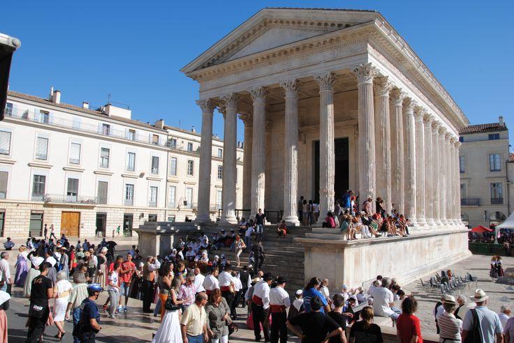 Saison estivale Maison Carrée Nîmes