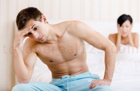 Ketika seorang pria mengalami masalah ejakulasi dini, maka kebanyakan dari mereka pasti akan sangat malu untuk menceritakan kepada pasangannya