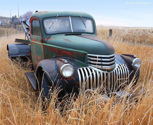 Vintage Chevrolet Tow Truck / Yard Art .