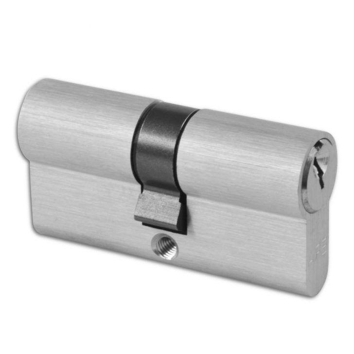 What is a double cylinder door lock?