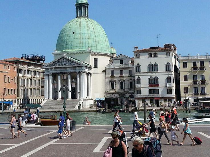 Piazza di Roma --Venezia Santa Lucia