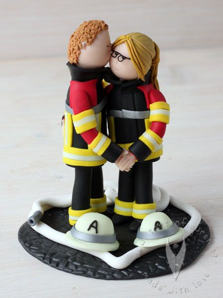 Feuerwehr Brautpaar Tortenfigur für die Hochzeitstorte - Hochzeitstortenfigur - Weddingcake - Caketopper - Weddingcaketopper - Tortendeko - Hochzeitsideen - Weddingideas von www.tortenfiguren.at