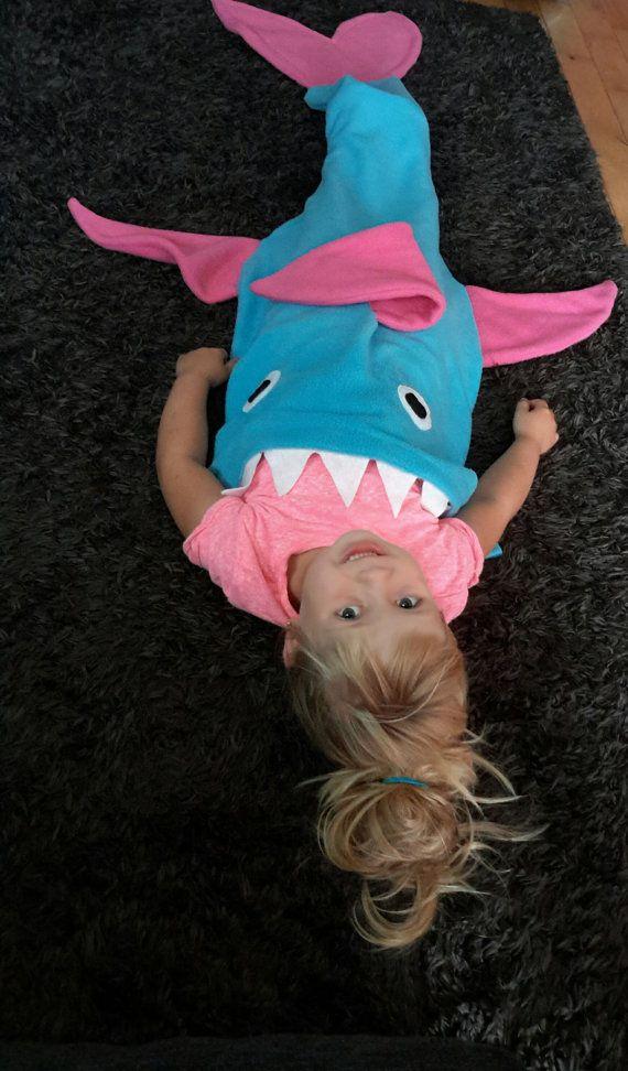 manta de polar de tiburón cola. manta de aleta de tiburón.