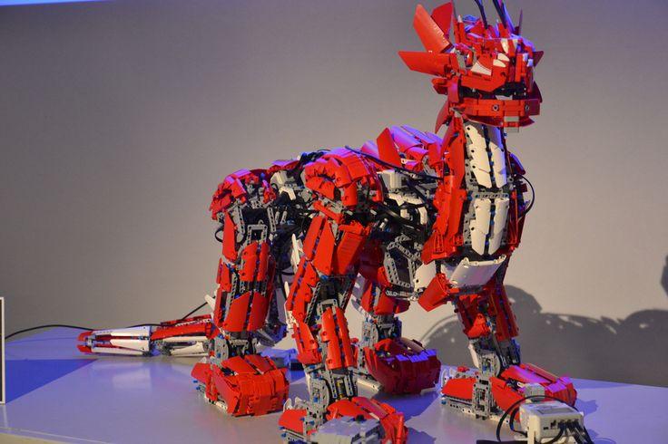 MAKE | Colossal Mindstorms EV3 Dragon Acts Alive