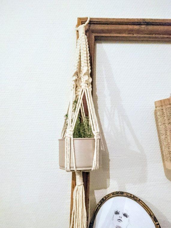 1000 id es sur le th me petit cactus sur pinterest jardini re en b ton pla - Porte plante macrame ...