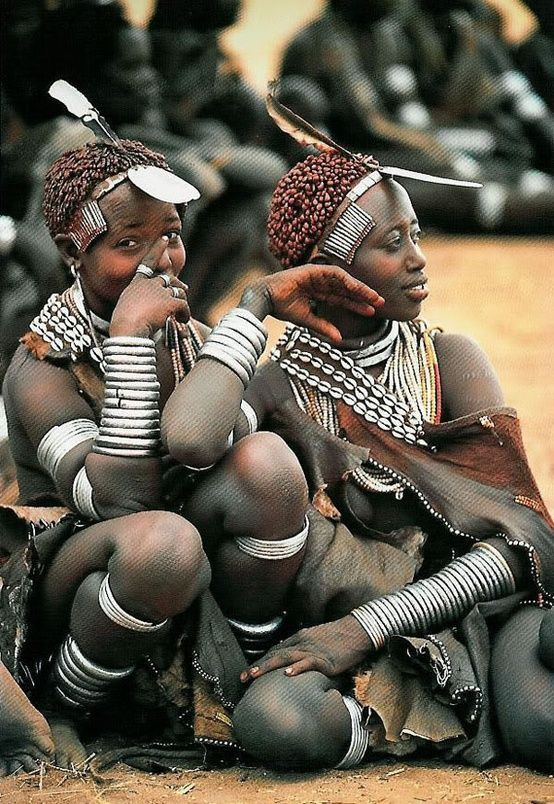 yagazieemezi:  Africa | Hamar Women, Ethiopia | Postcard image from the work of Carol Beckwith and Angela Fisher in a study of the women of the Horn of Africa, Ethiopia and the surrounding countries.