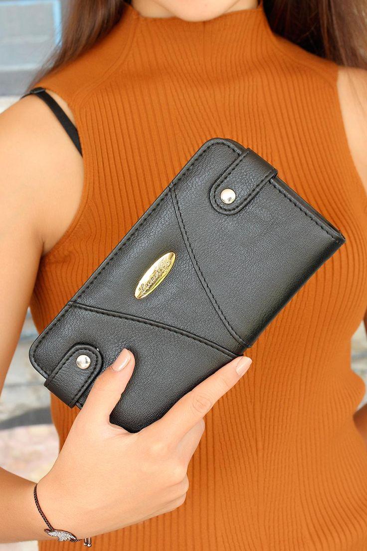 Sarı+renk+aksesuar+ile+detay+kazandırılan+Siyah+Deri+Bayan+Cüzdan+modelini+çantanızdan+eksik+etmek+ismeyeceksiniz.