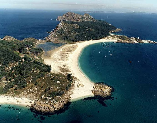 Spain, Galicia http://www.seattlecontactimprovisation.com/the-beach-in-spain/index.html#more-117