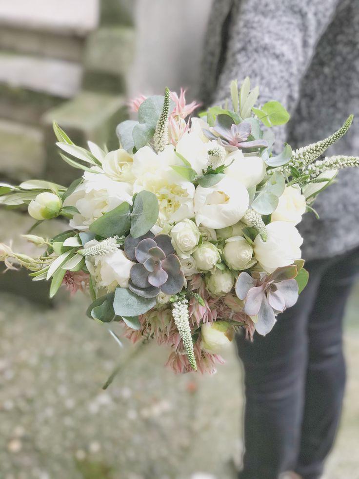 Atelier Dual Bucharest Hand Tied Bridal Bouquet #atelierdual