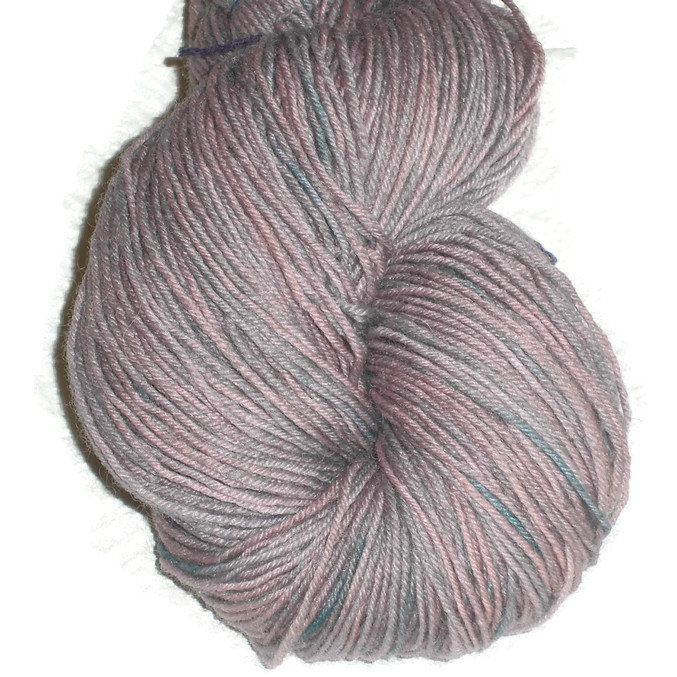 "Hand Dyed Wool Sock Yarn, 3-ply Light Fingering Weight ""Dusty Denim"", Fingering Rose Sock Yarn, Handdyed Dusty Rose Blue Denim Sockyarn ."