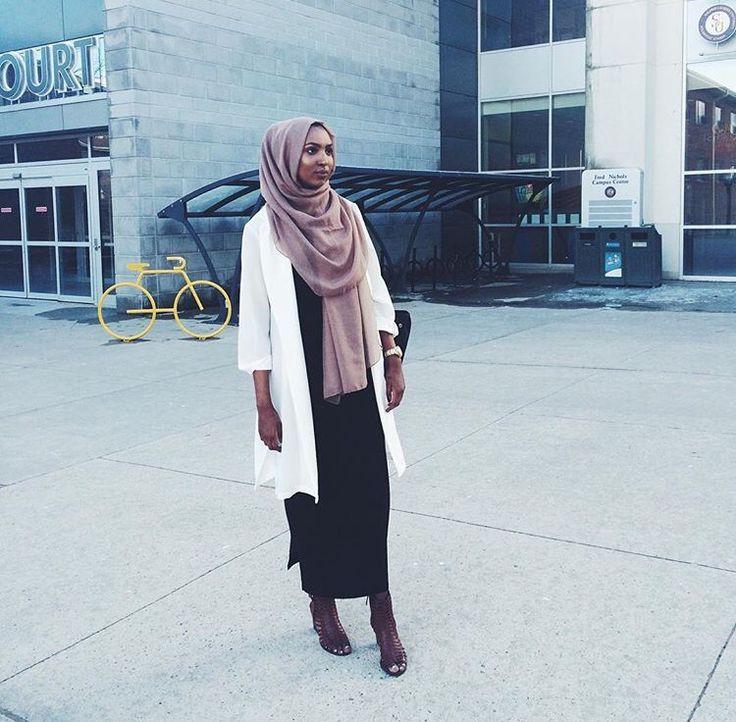 Hijab + Minimal + I Want That Scarf (nas_muse)