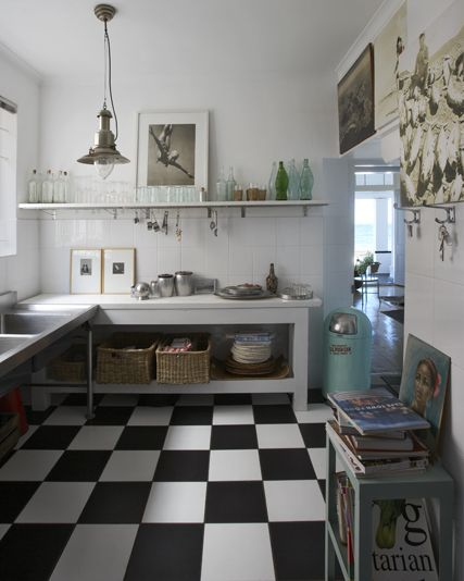Kitchen- black and white floors, simple put clean shelves: YUP