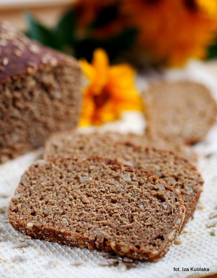 Smaczna Pyza: Domowe pieczywo. Chleb pszenny razowy na zakwasie, ze słonecznikiem