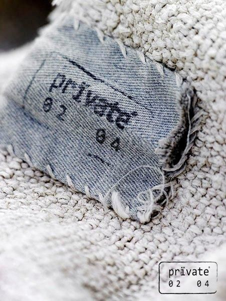 Now available in the Piet Boon Store: handmade plaids of pure cashmere fabric in beautiful off-grey colors. These exquisite limited pieces are all individually designed and vitalized by Private 02 04 Copenhagen.