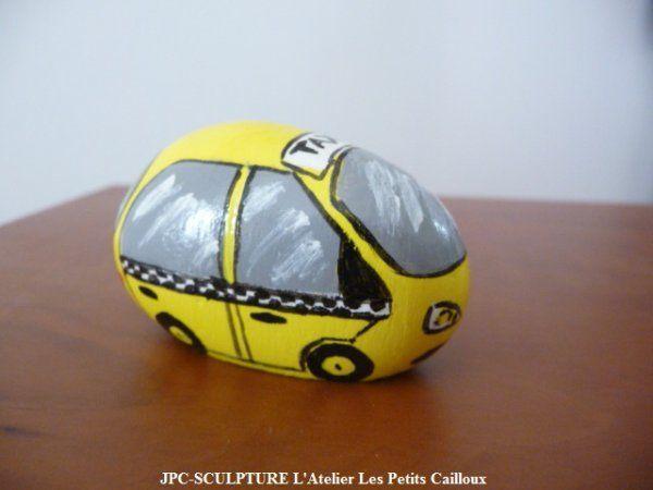 "ARTISANAT D'ART: Galet peint ""voiture TAXI"" - Ref N° 170 - Prix 08 Euros"