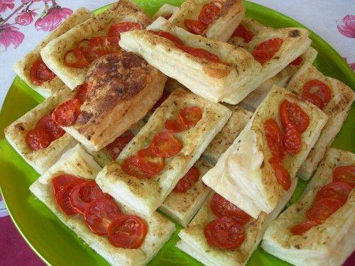 Sfogliatine con pesto e pomodorini