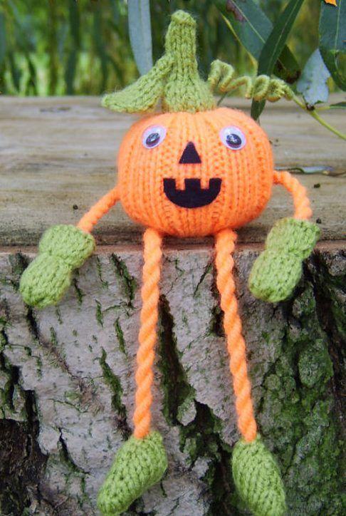 Free Knitting Patterns Halloween Toys : 25+ best ideas about Halloween knitting on Pinterest El ...