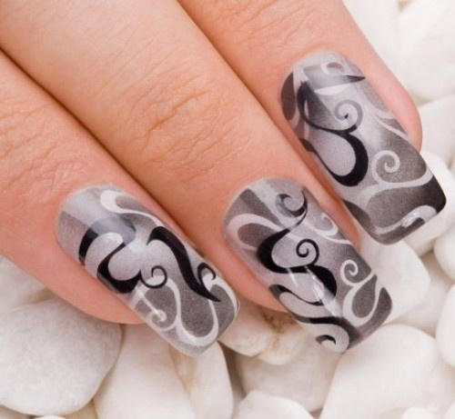Would do a smaller print on shorter nails. Love gray, black and white.