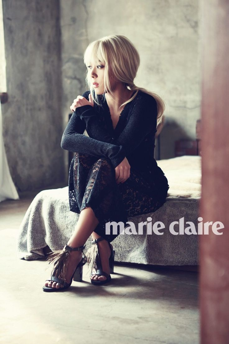 "Yoon Mi Rae is a graceful beauty for ""Marie Claire"" magazine"