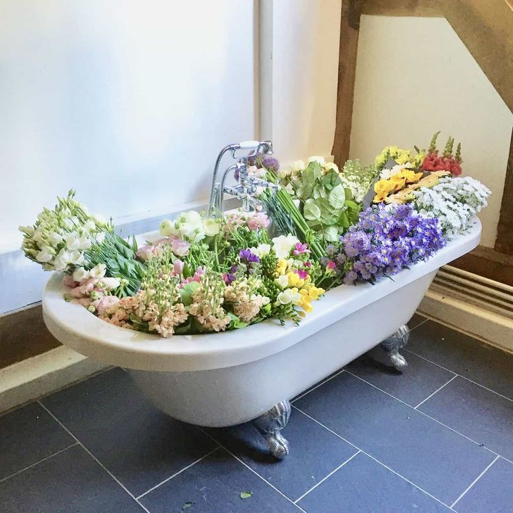 We share 7 ways to refresh your bathroom for spring over on the We Made this Life blog