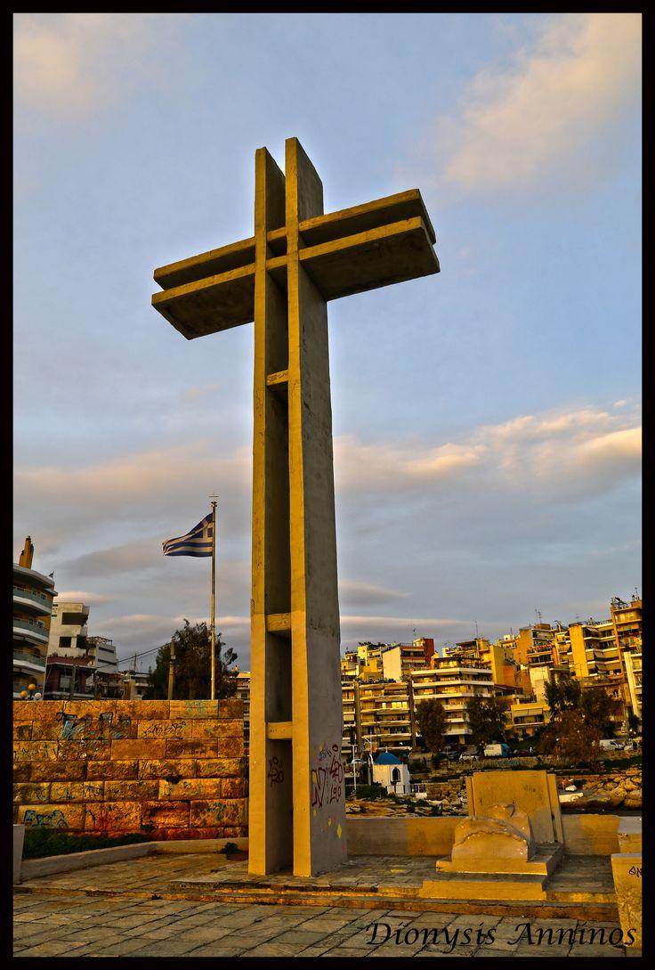 https://flic.kr/p/24N9dJi | Μνημείο του Αφανούς Ναύτη, Σταυρός Πειραϊκή.