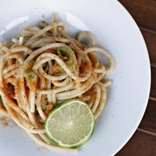 spaghetti-fiori-di-zucca-bottarga-e-lime