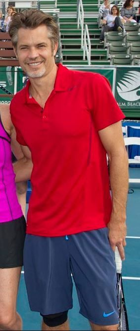 Timothy Olyphant plays tennis for charity