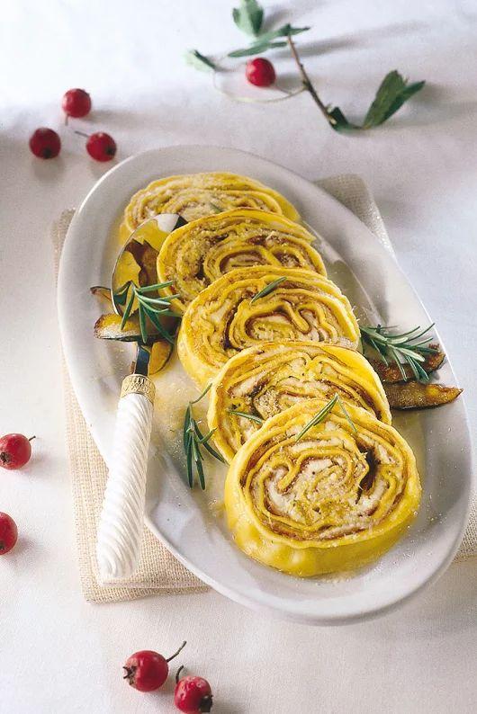 Rotolo di pasta con ripieno di zucca gialla | Sale&Pepe