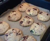 Recipe Fresh mint, dark chocolate and sea salt cookies, thanks to Jordan Rondel by esterj - Recipe of category Baking - sweet