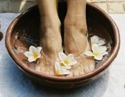 Fina fötter - bli snabbt och enkelt av med förhårdnader på fötter.