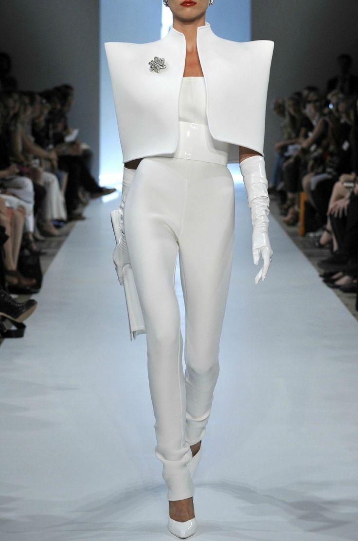 Futuristic Fashion - sharp, sculptural lines; clean, white, minimal, striking // Alexandre Vauthier
