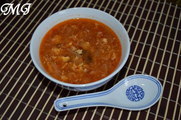 Wer liebt sie nicht, die Vorspeisensuppe vom Chinesen nebenan?! Dabei ist sie so einfach nach zu kochen....Pekingsuppe....scharf-saure-süße Suppe