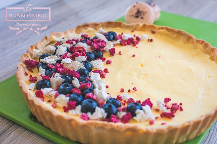 Lime cream TART with blueberries, freeze dried raspeberries and merengue