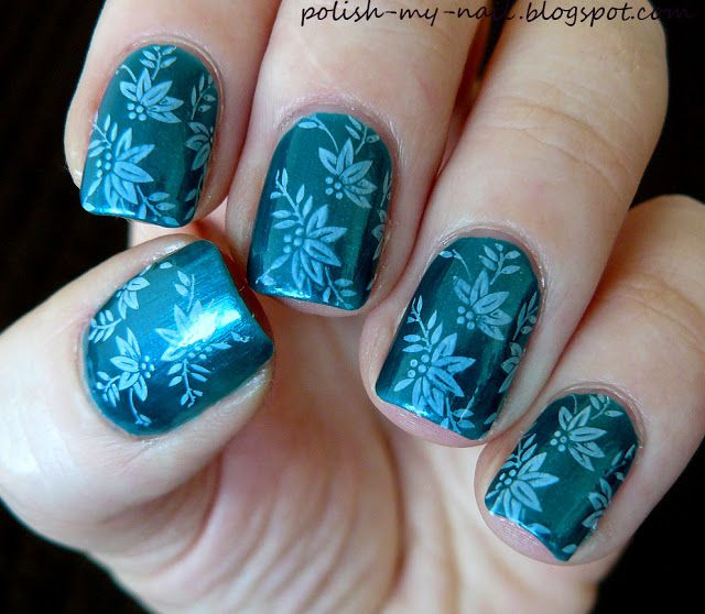 Kiko 300 Pearly Malachite Green + Pueen stamping plate 15 - nails