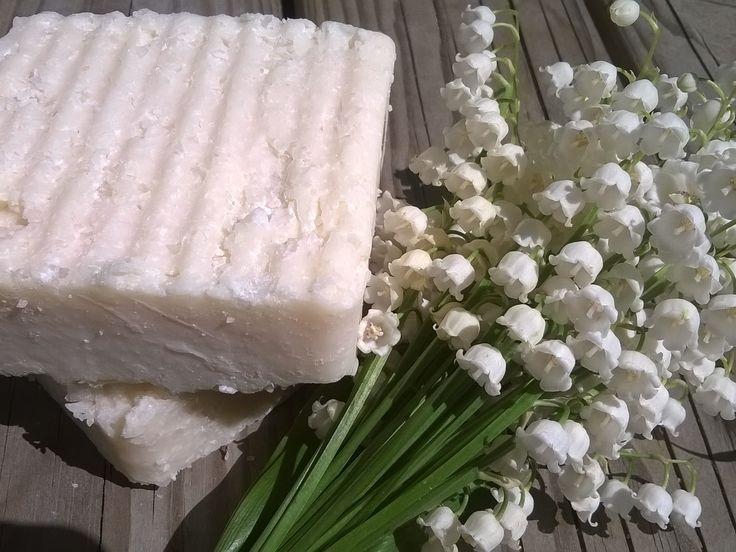Vieno-Kielo & Vieno-Kaino ♥ Suolasaippua / Salt Soap http://mutkutti.com/tuotteet.html?id=2/134 http://mutkutti.com/tuotteet.html?id=2/135